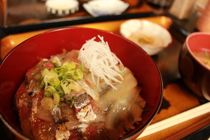 初島の木村屋で食べられる海鮮丼