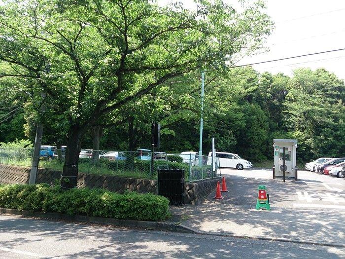 町田リス園の駐車場