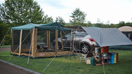 ドーム型テントとタープ