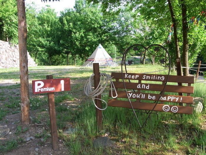 長瀞オートキャンプ場の女性専用サイトの入口に立てられたサイン