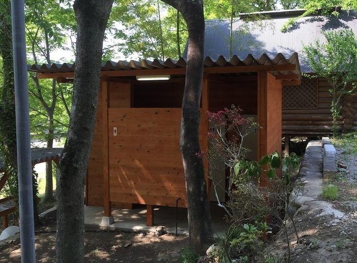 長瀞オートキャンプ場のトイレの外観