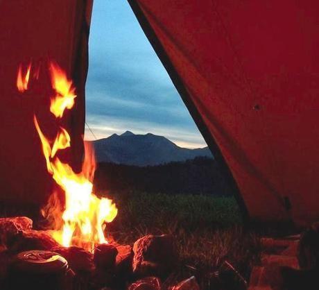 焚き火とコットンテント
