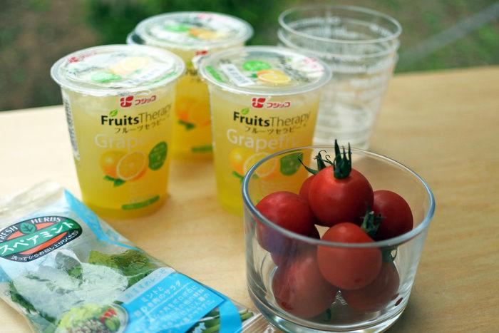 グレープフルーツとトマトのひんやりゼリーの材料
