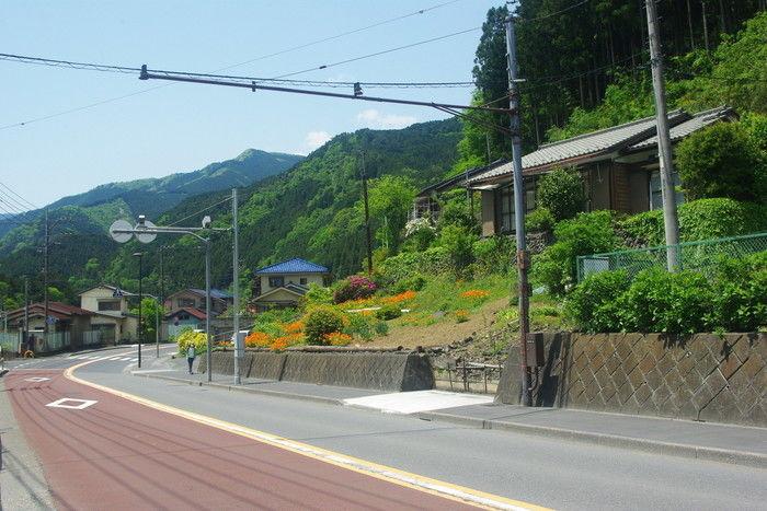 トレイルの道に入るまでの舗装路