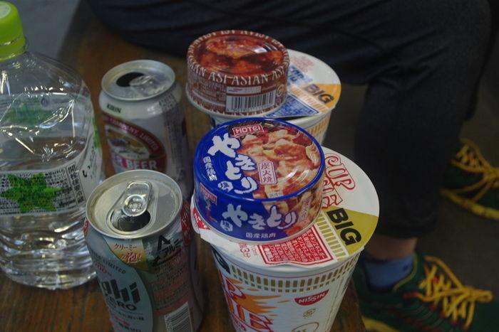 カップラーメンとビール