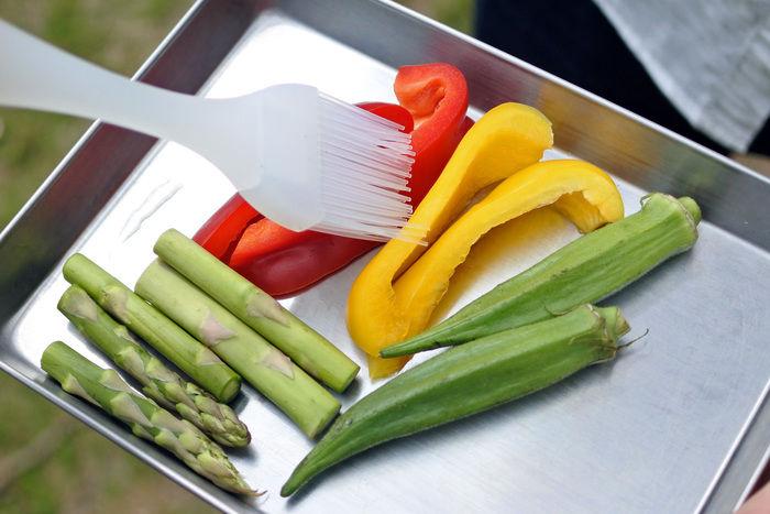 火で焼かれる前の野菜
