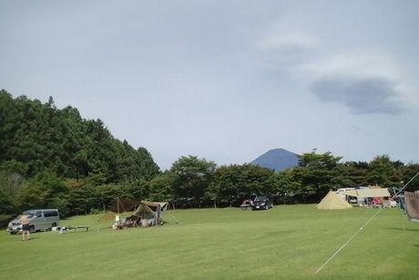 御殿場にあるキャンプ場から見える富士山