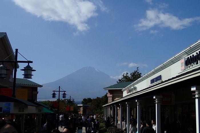御殿場プレミアムアウトレットから見える富士山