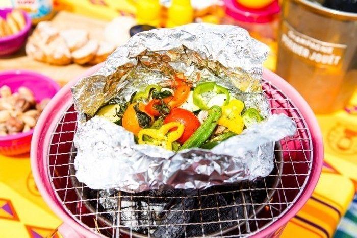 バーベキューコンロを用いた野菜のホイル焼き