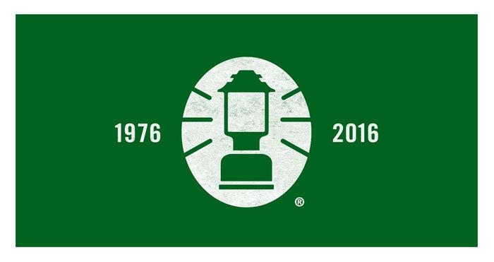 コールマンの歴史を表す1976と2016が書かれたロゴ