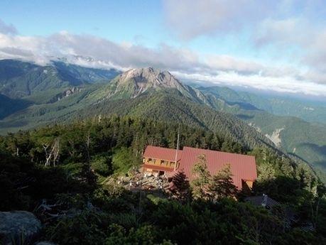 西穂山荘から見た西穂高岳山頂