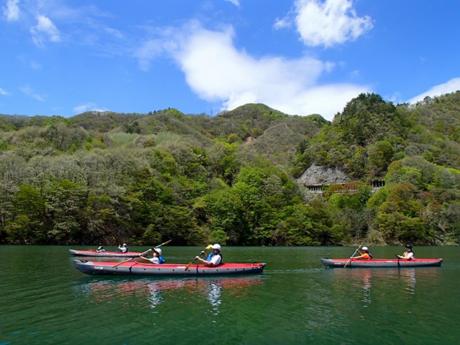 奈良俣湖でのカヌーの様子