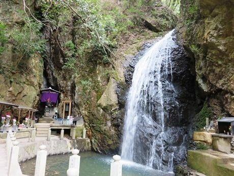 中山連山の最明寺滝