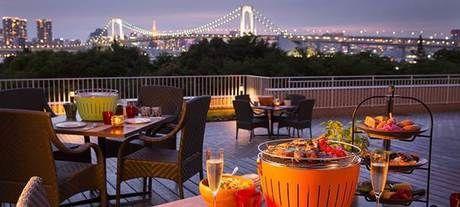 ヒルトン東京お台場 バーベキューテラス「アブレイズ」から見たレインボーブリッジ