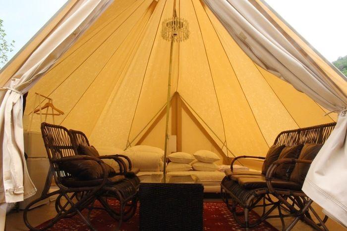 GRAXのグランピングテントの室内