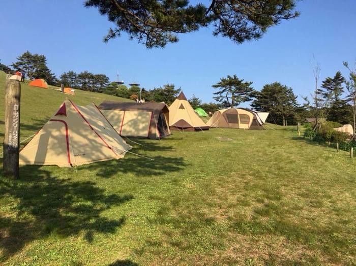 様々な形のテント
