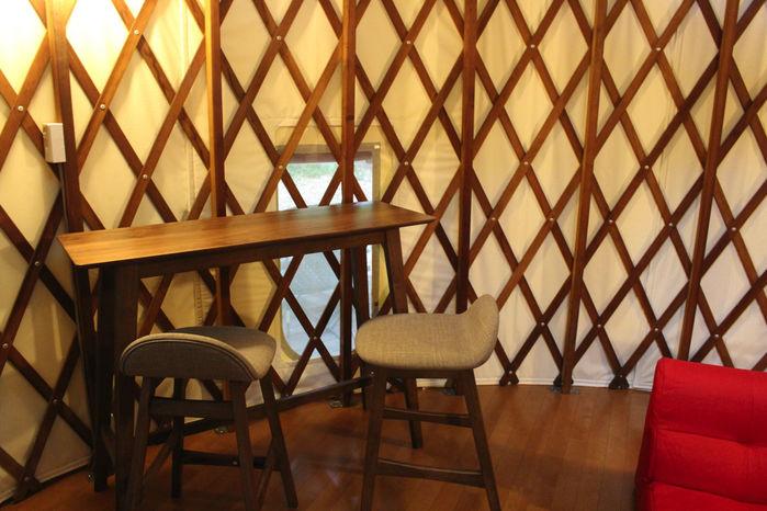 マッシュルームパオ TAKIBIのカウンターテーブル