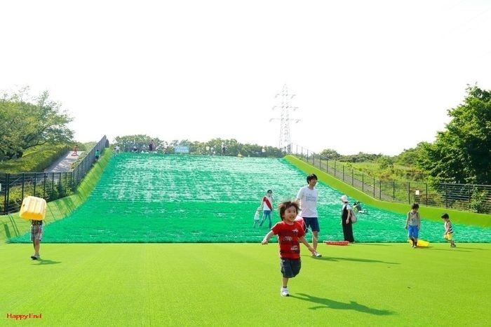 小金井公園内の巨大なゲレンデ