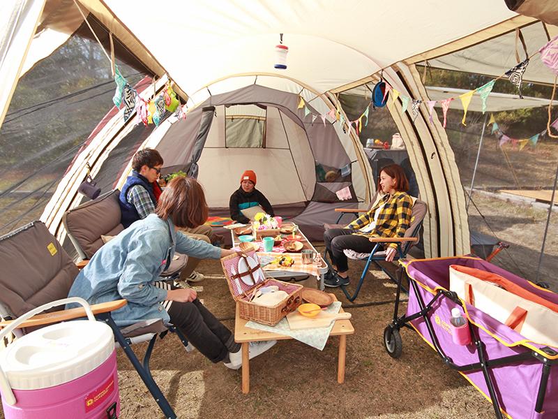 無駄のないデザインが素敵!トンネル型テントの特徴とその魅力