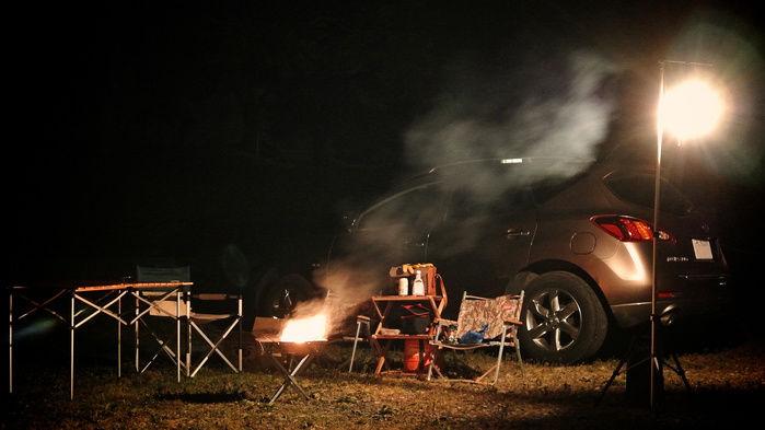 ソロキャンプサイト夜の風景