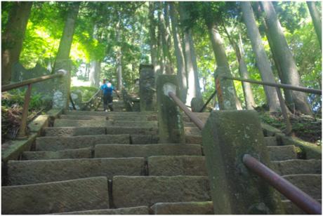 大山山頂への階段