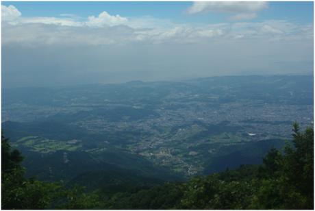 山頂からの相模平野の風景