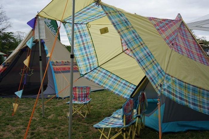 ロゴスのテントを広げた様子