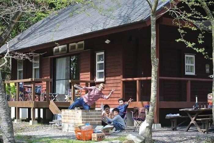 家族とゆっくり自然を満喫できる清潔なログコテージのあるグリム冒険の森 滋賀県