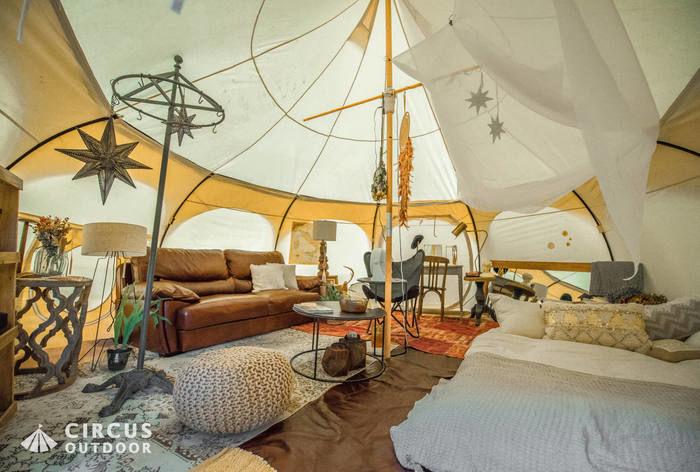 ジャンピンジャッカロープのテントの内装