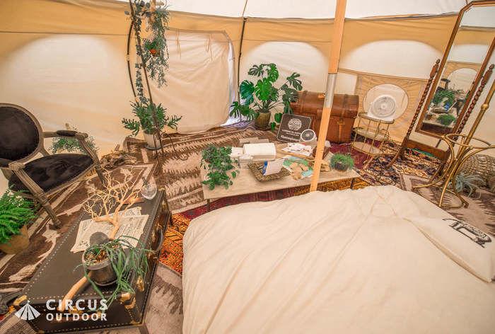サーカスアウトドアのテント内の様子