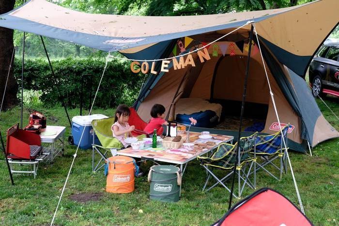 コールマンのキャンプグッズを使用したキャンプの様子