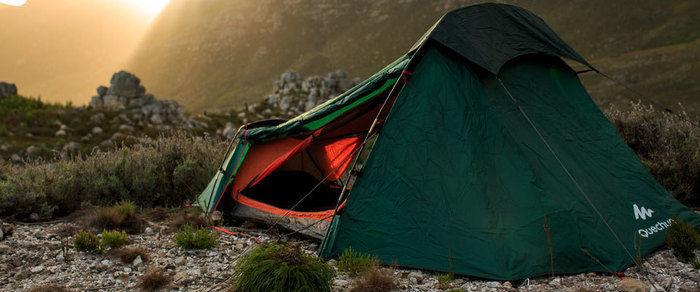 ケシュアのテントと夕日