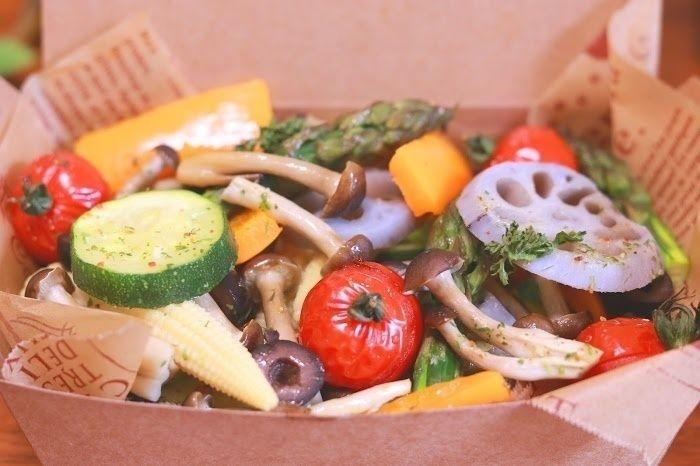 旬の野菜がたっぷり詰まったお弁当