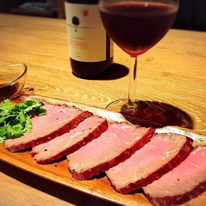 原宿Hutteで食べることのできる肉料理