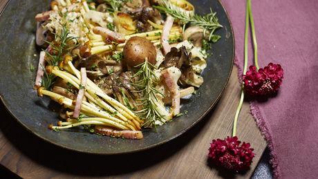 星のや富士の収穫きのこディナーの料理