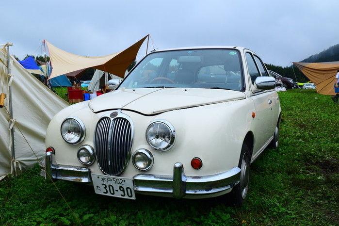 日本の車の外装を海外風にした車