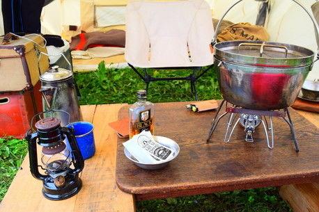 キャンプで大活躍☆ダッチオーブンで作れるオススメレシピ5選
