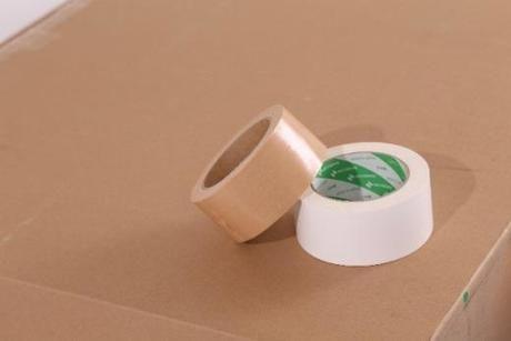 紙製のガムテープ