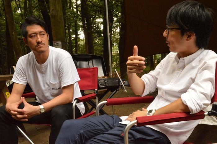 対談をする井川さんと水谷さん