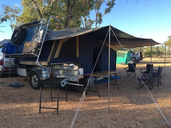 キャンプ場のテントサイト
