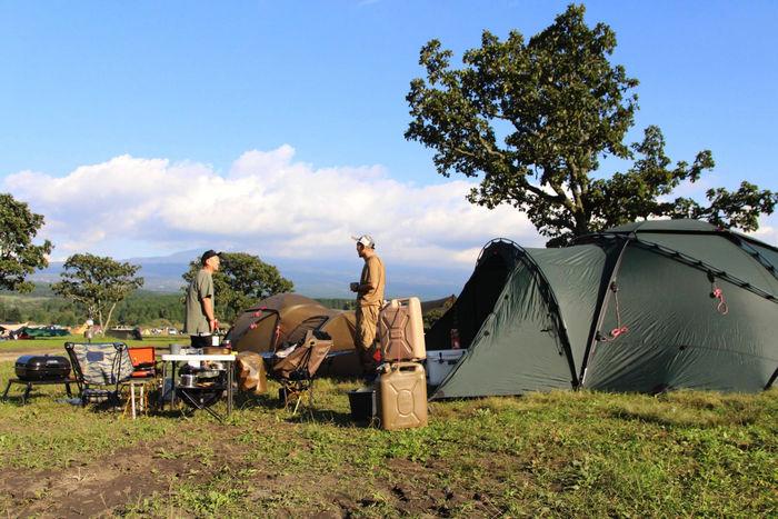 ヒルバーグのギアで設営したテントサイト