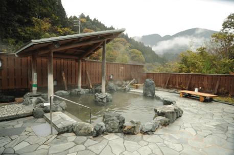 【全国版】キャンプ×温泉!場内・隣接の温泉がある癒されるキャンプ場23選
