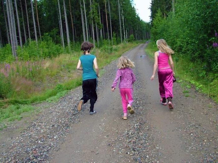 トレイルランニングに挑戦する子供たち