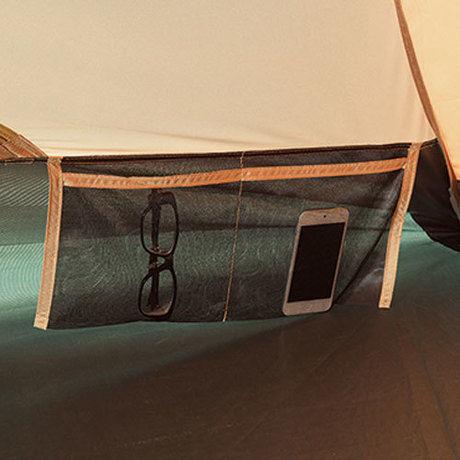 テント内にあるメッシュポケット