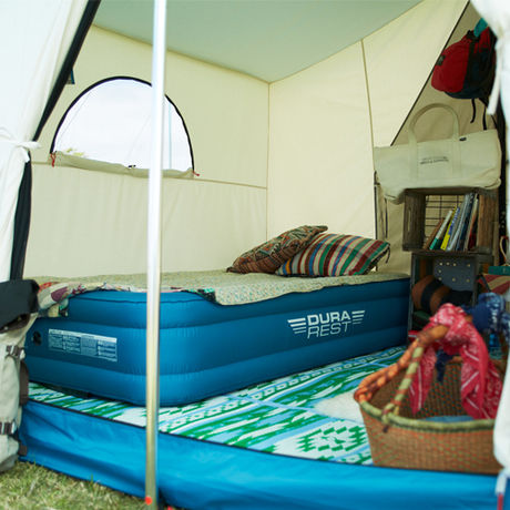 テント内のエアーベッド