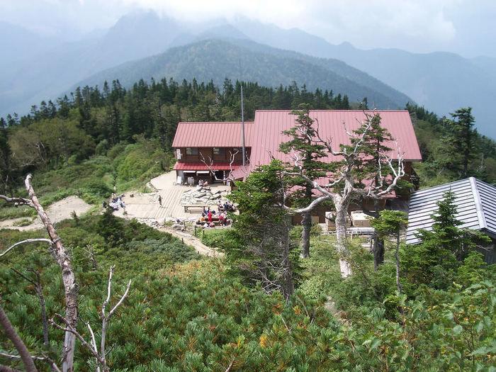 上空から見た山小屋