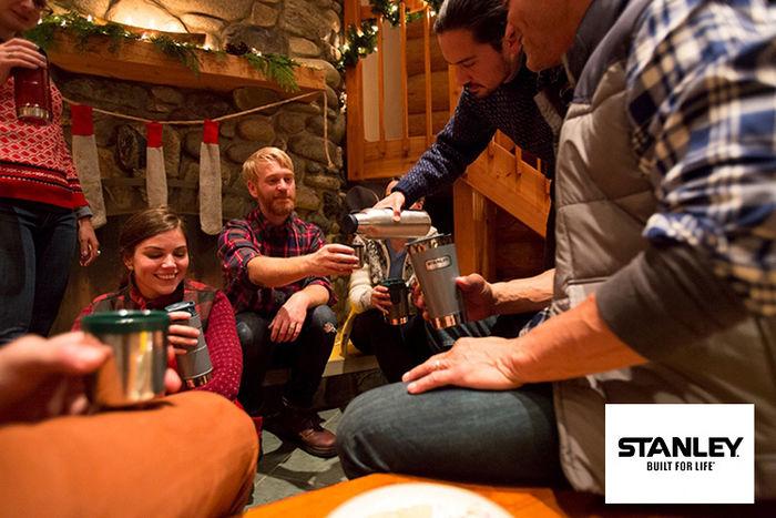 スタンレーのボトルを使ってワイワイ楽しむファミリー