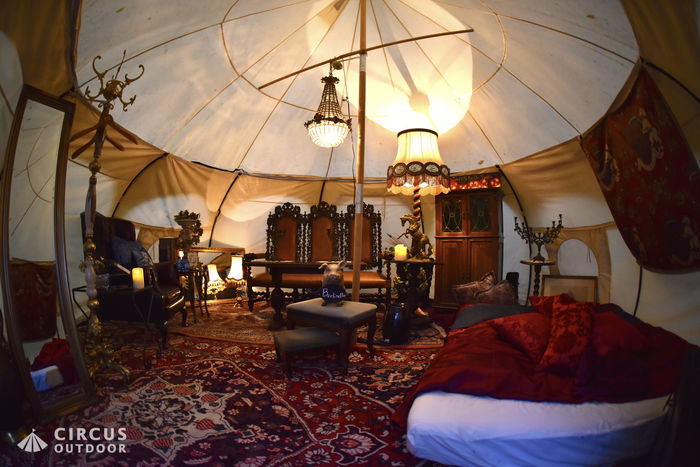 サーカスアウトドアのテントの内装