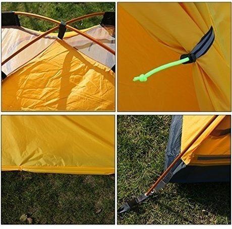 ポールのスリーブが天井部分で分割されているテント