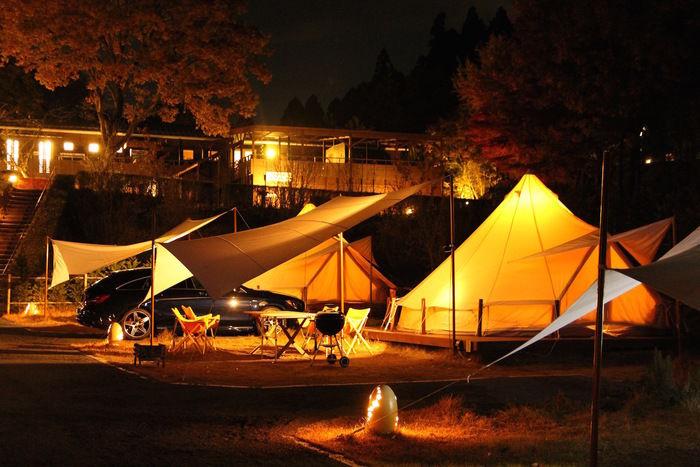 グランピングのテントサイト